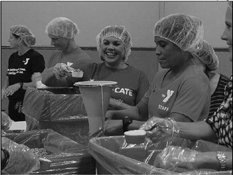 United Way Volunteers Fight Against Hunger