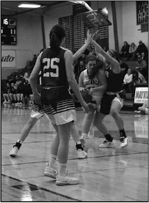 Lady Cards Nearly Defeat Conference's Top Team